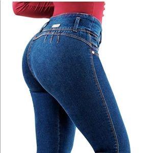 Cupido Butt Lifting Columbian Skinny Jeans
